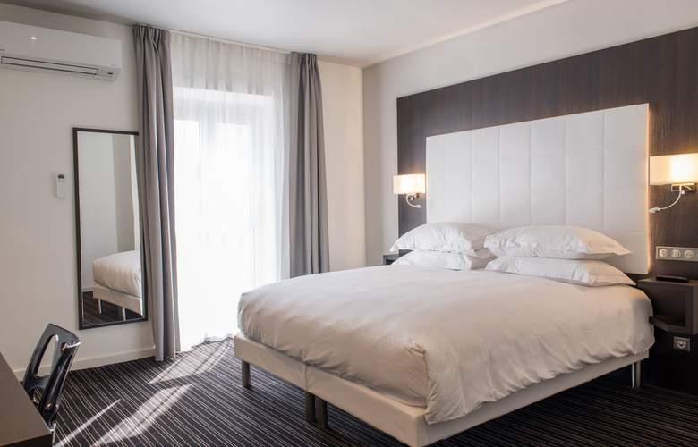 64 Nice - Room - 9