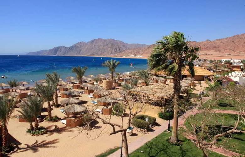 Swiss Inn Resort Dahab - Beach - 3