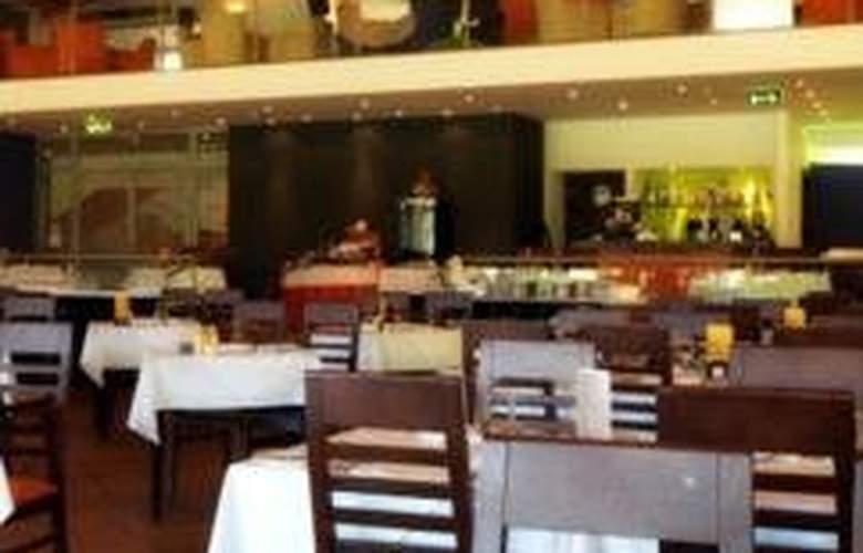 Yellow Alvor Garden - Restaurant - 12