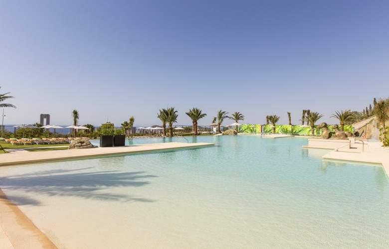 Grand Luxor - Pool - 25