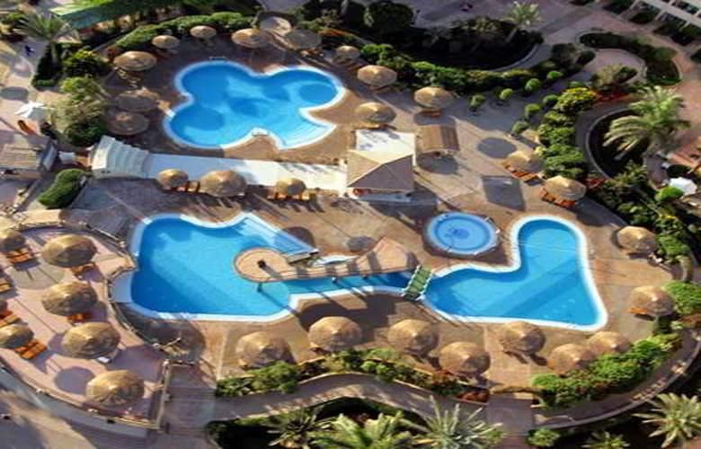 Flamenco Beach Resort - Pool - 17