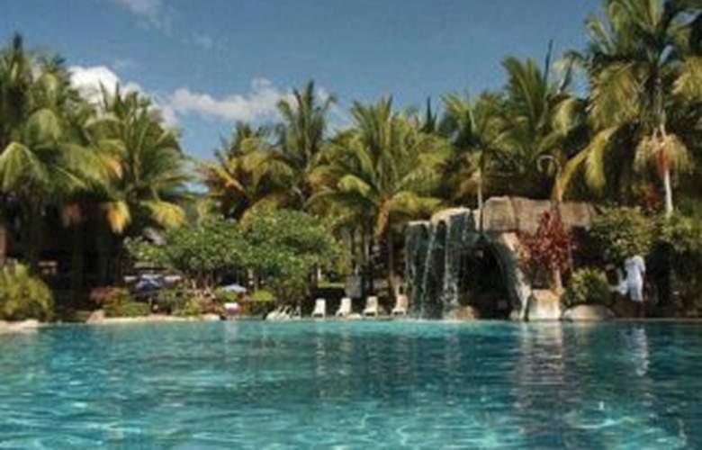 Damai Beach Resort - Pool - 3