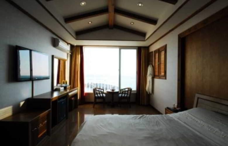 Blue Beach Hotel - Room - 5