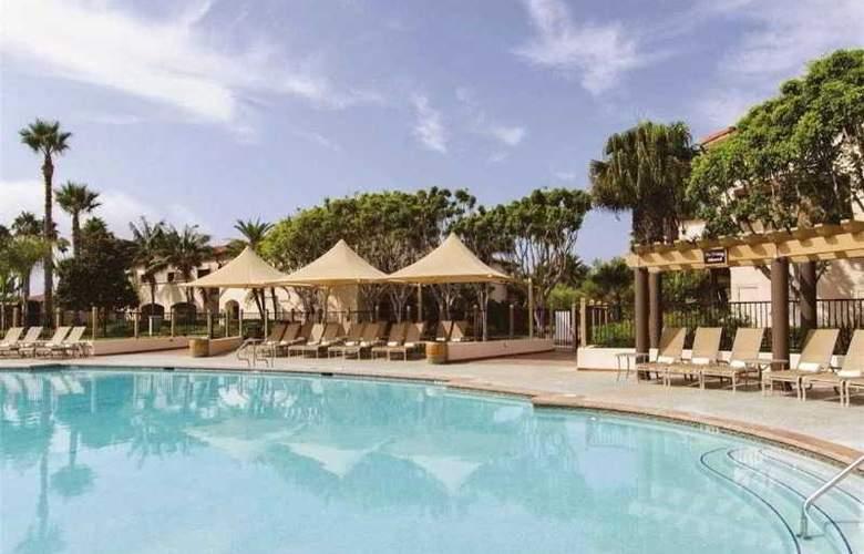 Hilton Santa Barbara Beachfront Resort - Pool - 33