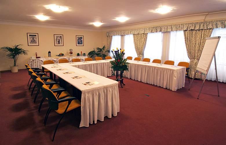 Constans - Conference - 0
