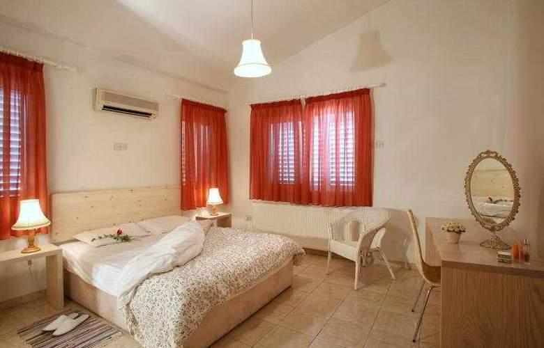 Z&X Holiday Villas - Room - 0