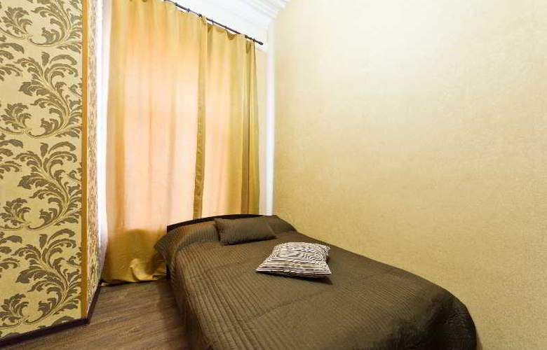 Ambitus - Room - 13