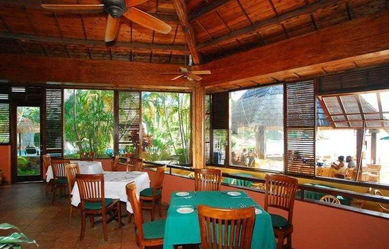 Best Western Emerald Beach Resort - Hotel - 9