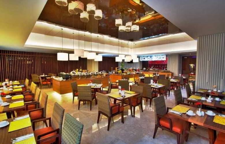 Aston Soll Marina Hotel & Conference Centre - Restaurant - 2