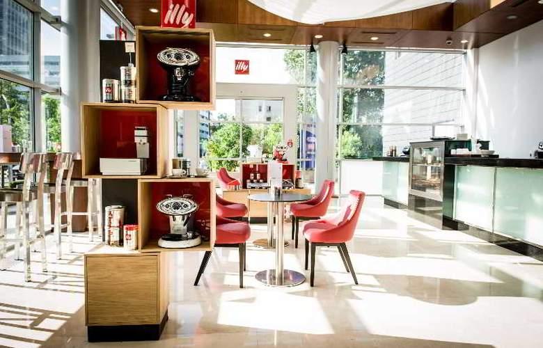 Hilton Warsaw - Bar - 6