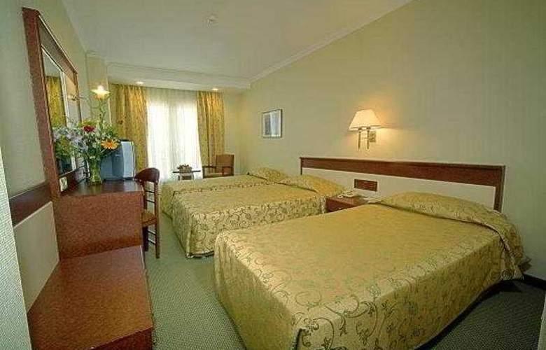 Kent - Room - 1