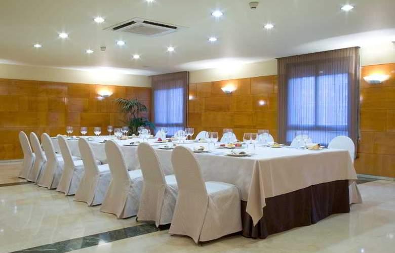NH Lleida Pirineos - Conference - 12