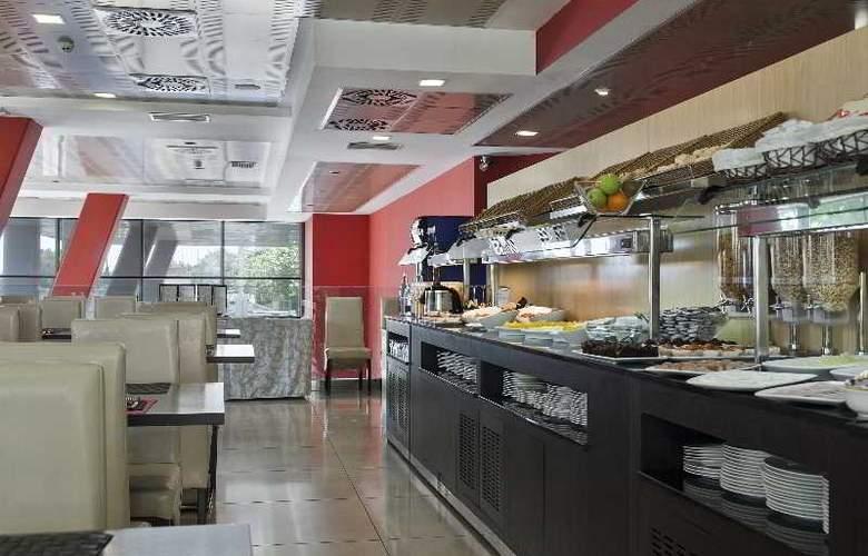 Best 4 Barcelona - Restaurant - 49