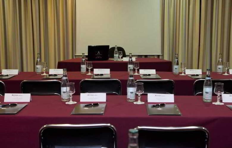 Apogia - Conference - 9