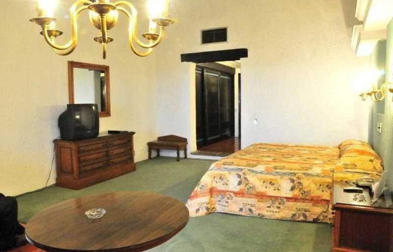 El Tapatio and Resort - Room - 6