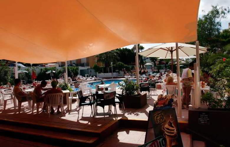 Azuline Apartamentos Sunshine - Terrace - 25