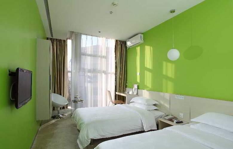 Colour - Room - 4