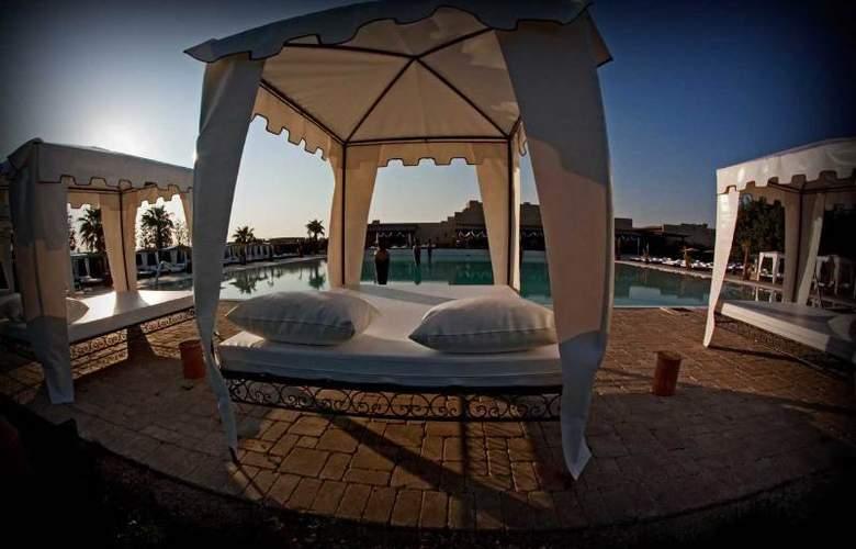 Masseria e Spa Luciagiovanni - Pool - 1