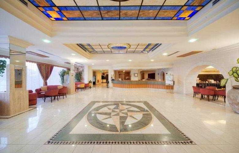 Topaz - Hotel - 0