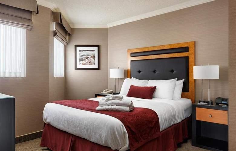 Best Western Plus Inner Harbour - Room - 24