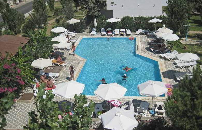 Belmare - Pool - 6