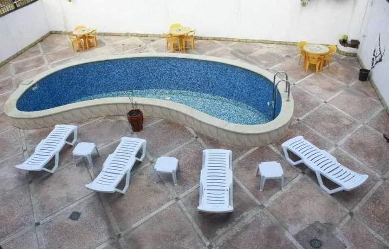 Vip Ele Hotel - Pool - 1