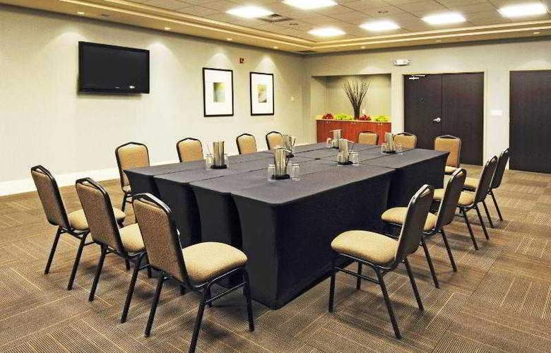 Holiday Inn Express & Suites Vaughan - Hotel - 15