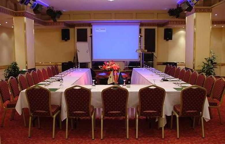 Doga Residence - Conference - 6