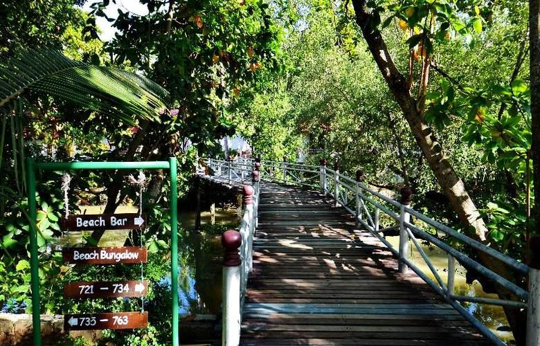 First Bungalow Beach Resort - Hotel - 16