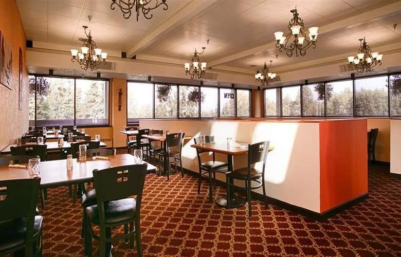 Best Western Plus Golden Lion - Restaurant - 22