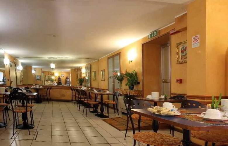 Centrale - Restaurant - 13