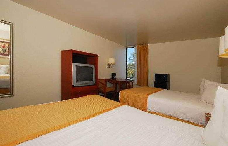 Best Western East Brunswick Inn - Hotel - 7