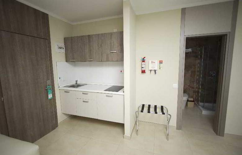 115 The Strand Aparthotel - Room - 22
