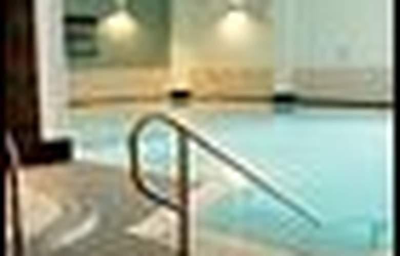 TORTWORTH COURT FOUR PILLARS HOTEL - Hotel - 4