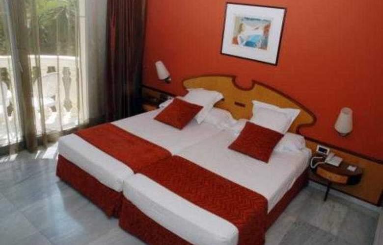 San Sebastian Playa - Room - 2