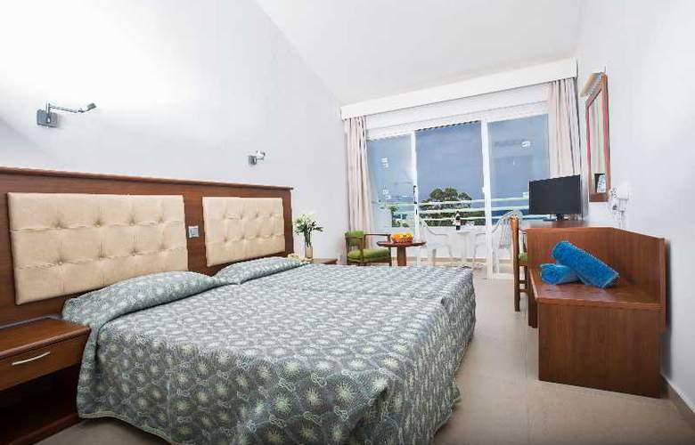 Adelais Bay - Room - 0