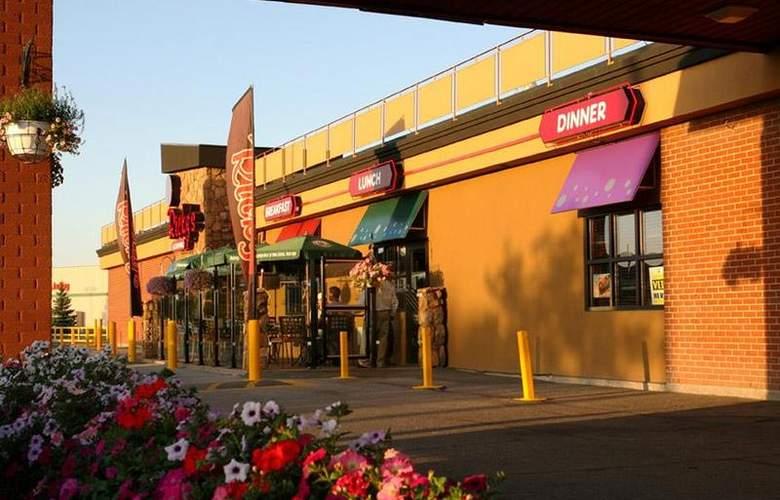 Best Western Seven Oaks Inn - Restaurant - 64