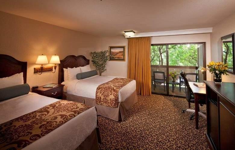 Best Western Plus Inn At The Vines - Room - 10