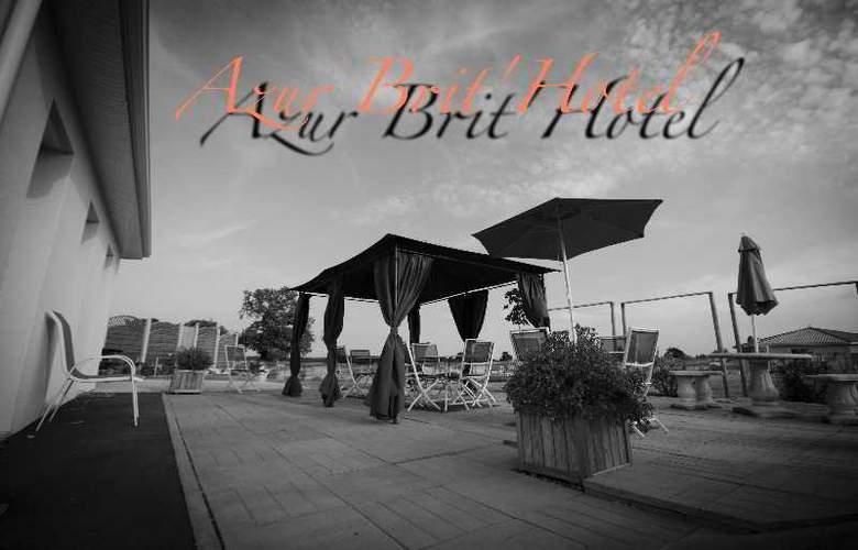 Brit Hotel Azur - Hotel - 8