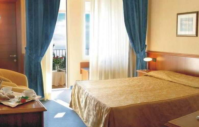 Bluebay Colle Della Trinità Perugia - Room - 1