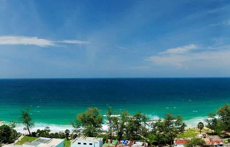 Waterfront Suites Phuket by Centara - Hotel - 6