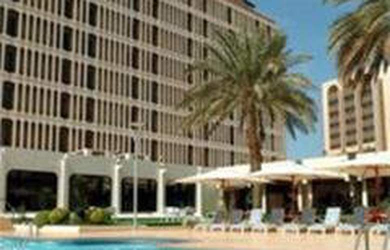 Golden Tulip Bahrain - Pool - 3