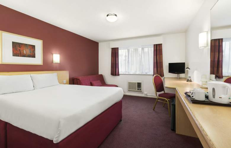 Days Inn London Stansted Airport - Room - 2