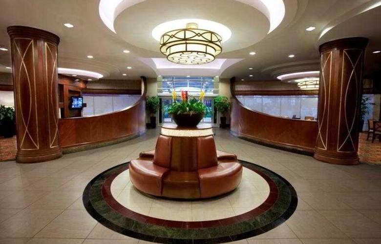 Hilton Garden Inn Toronto Airport - General - 2