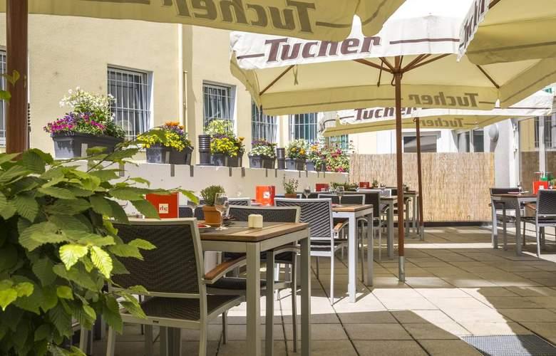Park Inn by Radisson Nurnberg - Terrace - 5