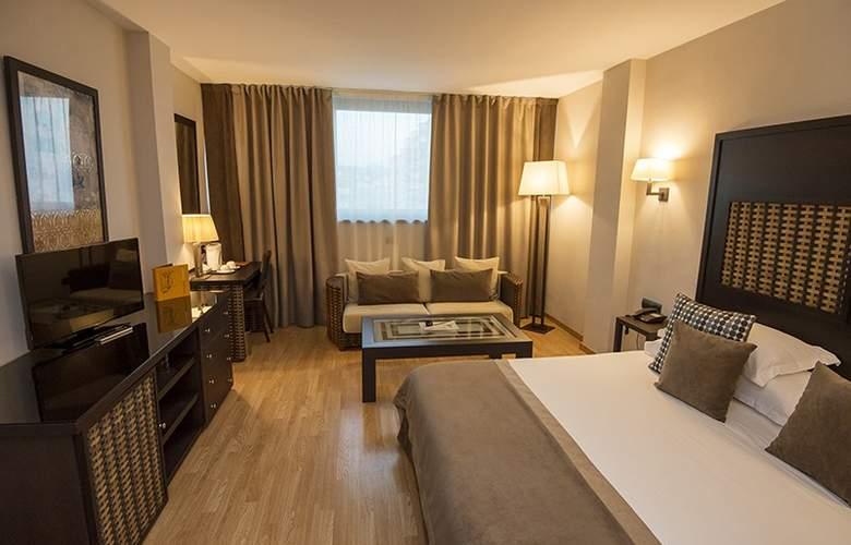 Eurostars Málaga - Room - 9