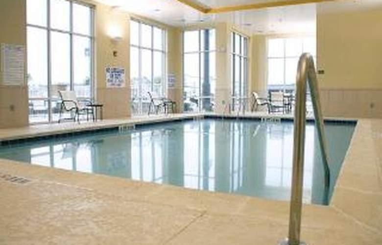 Comfort Suites, Florence - Pool - 4