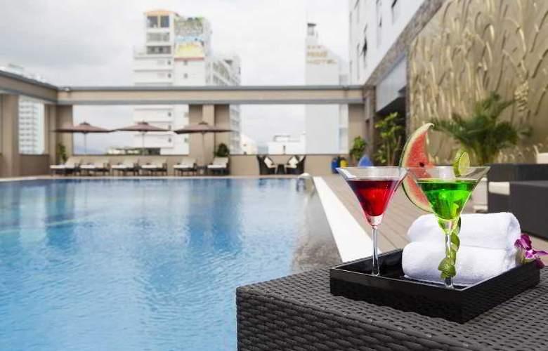 Muong Thanh Nha Trang Centre Hotel - Pool - 3