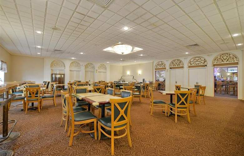 Best Western Green Bay Inn Conference Center - Restaurant - 118