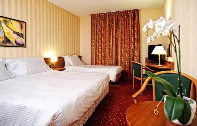 Meditur Hotel Pomezia - Room - 1